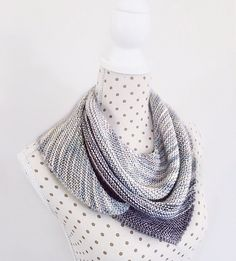 The Tri Shawlette is a very easy project a beginner level. It is a versatile design and can be made in any weight of yarn.