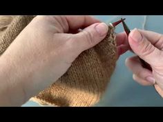 at tage masker op i højre side af rygstykket. Knitting Patterns Free, Free Pattern, Blog, Sewing Patterns Free
