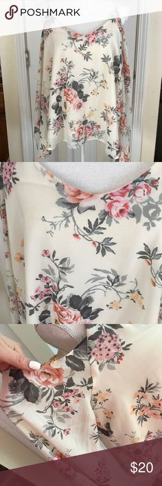 Haute Monde 🌸 floral top 🌸 size XL Super cute floral top in like new condition. This is an off shoulder shirt with straps. :) see photos. It's cute, especially for spring. 🌸🌺 feel free to ask if you have any further questions. haute monde Tops