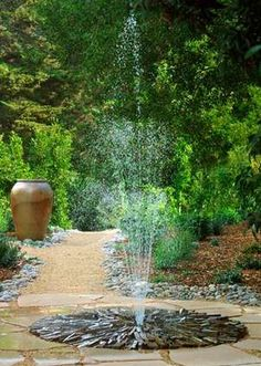 Examples Fountain Design in a Minimalist Home Garden Outdoor Water Features, Water Features In The Garden, Unique Gardens, Beautiful Gardens, Camping Am Meer, Landscape Design, Garden Design, Garden Fountains, Patio Fountain