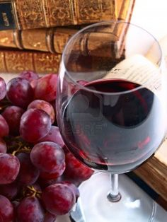Chianti Reserve Italian Red Wine With Grapes Royalty Free Stock Photo, Pictures, Images And Stock Photography. Image 9739668.