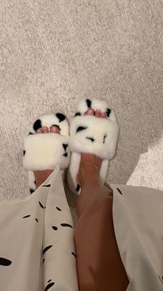 Expensive Sneakers, Bell Bottom Pants, Girls Pajamas, Fur Slides, Cute Tops, Girly Girl, Kendall Jenner, Couture Fashion, World Of Fashion