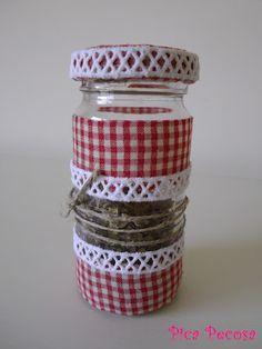 Recycled spice jar / Bote reciclado para especias con tela y puntilla