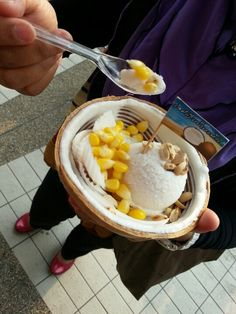 Coconut Ice-cream to die for @ Chatuchak Market, Bangkok