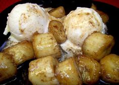 Campfire Bananas Foster camping food dinner families, camping snacks for kids, vegan camping food ideas Campfire Bananas, Campfire Desserts, Campfire Food, Camp Desserts, Banana Foster Recipe, Camping Meals, Camping Recipes, Camping Cooking, Camping Guide