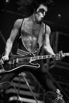Kiss Concert, Kiss Pictures, Kiss Photo, Paul Stanley, Kiss Band, Eddie Van Halen, Hot Band, Star Children, Band Photos