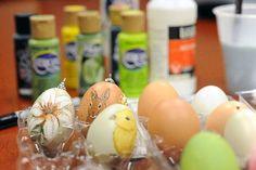 Local Lovelander demonstrates the art of egg painting.