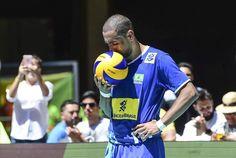 Biografia de Serginho revela briga com Bernardinho às vésperas da Rio-2016 e furúnculo em final de Mundial - 27/06/2017 - UOL Esporte