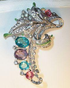 Trifari Philippe Fur clip PIN  PAVE rhinestone glass enamel BROOCH 1940s #Trifari #FurClippin