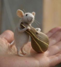handmade animals by toy-maker natasha fadeeva.