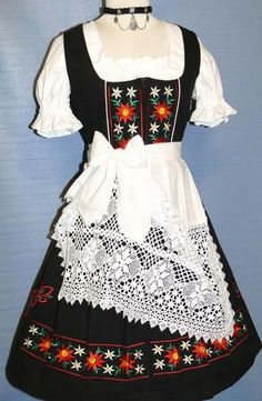 need one for Oktoberfest! Oktoberfest Outfit, Traditional German Clothing, Traditional Dresses, Octoberfest Costume, Pinup, European Costumes, German Outfit, Dirndl Dress, German Women