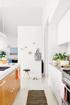 Melbourne Kitchen via Inside Out Magazine - Styling: Marsha Golemac, Photography: Brooke Holm. Clare Cousins Architects.