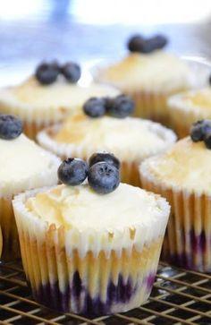 Healthy Blueberry Cupcakes with Creamy Vanilla Frosting https://www.facebook.com/hotel.niebieski