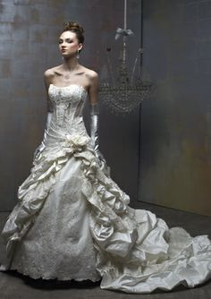 St. Pucci Couture : 501...the dress i always wanted.. maybe someday ..