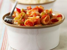 Chipirons à la tomate French Food, Fruit Salad, Vegan Vegetarian, Macaroni And Cheese, Shrimp, Veggies, Snacks, Dishes, Ethnic Recipes