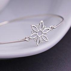 Snowflake Bracelet, Winter Fashion, Snowflake Jewelry, Christmas Jewelry, Holiday, Winter, Snow. $38.00, via Etsy.