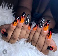 Halloween Nails Pictures – Part – Arts And Crafts – All DIY Projects Sexy Nails, Hot Nails, Nails On Fleek, Gorgeous Nails, Pretty Nails, Fire Nails, Manicure E Pedicure, Best Acrylic Nails, Nagel Gel