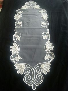 Angeles Lace Embroidery, Embroidery Patterns, Sewing Patterns, Diy And Crafts, Arts And Crafts, Lace Art, Point Lace, Curtain Designs, Lace Making
