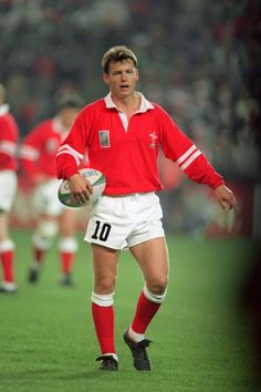 Former Wales captain Mike Hall - The 21 most intelligent rugby players ever to play for Wales Welsh Rugby Players, Dragon Wagon, Wales Rugby, All Blacks, Real Men, Athletes, Dragons, Hockey, Legends