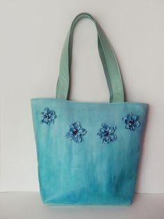 Torebka ręcznie malowana miętowa z kwiatami w Monika Bordo na DaWanda.com