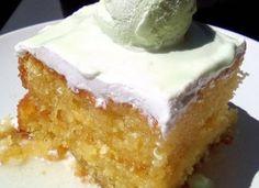 Σιροπιαστό Γλυκό που θα σας καταπλήξει !!! Greek Sweets, Greek Desserts, Greek Recipes, Cookbook Recipes, Cake Recipes, Dessert Recipes, Cooking Recipes, Sweets Cake, Cupcake Cakes