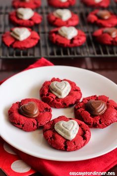 Red Velvet Sweetheart Cookies - These are such a fun Valentine's Day cookie and they are super yummy too.