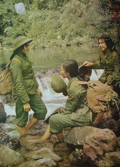 English Photographs of North Vietnam Vietnam History, Vietnam War Photos, North Vietnam, Vietnam Veterans, Ho Chi Minh Trail, War Photography, American War, Native American, Korean War