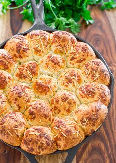 Italian Skillet Pull Apart Bread - easy to make pull apart bread using frozen bread rolls, rolled in an Italian herbed melted butter and sprinkled with cheese. Cooking Bread, Cooking Recipes, Bread Baking, Greek Recipes, Italian Recipes, Food Network Recipes, Food Processor Recipes, Pull Apart Cheese Bread, My Favorite Food