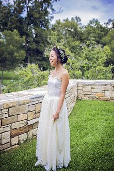 This Texas bride wore a vintage wedding dress from 1949 - it belonged to the grandmother of the groom! {Shelly Taylor Photography}