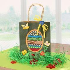 #Ostergeschenk basteln | ✂ Wir haben eine pfiffige Bastelidee für die Osterzeit. Eine tolle Ostergeschenketüte basteln. Bastelidee mit ▶ Videoanleitung: http://www.trendmarkt24.de/bastelideen.basteln-mit-kindern-ostern.html#p