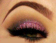 Sexy pink smoky glitter eyes. So pretty!