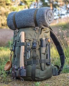 Read information on wilderness survival – – Connor – bushcraft camping Bushcraft Camping, Bushcraft Backpack, Bushcraft Skills, Bushcraft Gear, Camping And Hiking, Camping Survival, Hiking Gear, Survival Prepping, Survival Skills