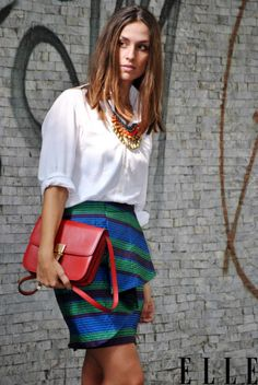 white shirt+statement necklace+printed pencil skirt