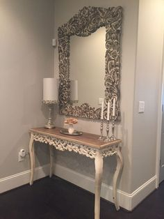 Inspiring mirror designs that will bring luxury to your home! These mirrors combined with a modern console table are the perfect combination. Hallway Decorating, Entryway Decor, Interior Decorating, Interior Design, Living Room Decor, Bedroom Decor, Decoration Entree, Home Decor Furniture, Home Decor Inspiration