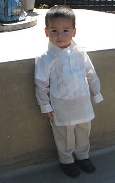 Filipino formal wear...you're doing it right little guy! Barong Tagalog: Filipino formal wear @Isabella Quevedo get your baby boy  ready!