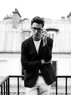 Casual class // glasses, tshirt, blazer