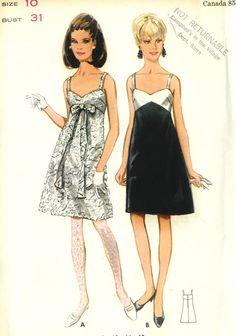 Vintage Butterick 4661 Misses peu noir Cocktail a-ligne Slip robe Couture patron taille 10 buste 31.  Robe a-line slip a contraste ou soi corsage à