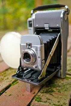 Polaroid 80 Highlander Vintage Instant Camera with Flash Gun