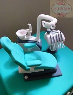 dentista Fondant Cake Tutorial, Fondant Toppers, Fondant Cakes, Cupcake Cakes, Dental Cake, Medical Cake, Fancy Cakes, Cute Cakes, Doctor Cake
