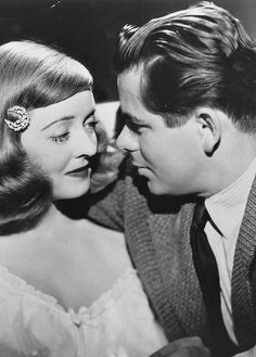 Glenn Ford and Bette Davis in 'A Stolen Life', 1946 Old Hollywood Movies, Hollywood Actor, Golden Age Of Hollywood, Hollywood Glamour, Hollywood Stars, Classic Hollywood, Hollywood Actresses, A Stolen Life, Glen Ford