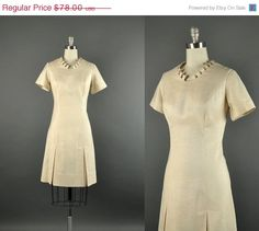SALE Vintage 1960s Dress / ivory linen dress / by NodtoModvintage, $54.60