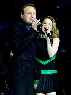 Kylie and Jason reunited onstage at Hit Factory Christmas Cracker show Kylie Minouge, Guy Pearce, Latest Celebrity News, Facial Recognition, Film Review, Celebs, Celebrities, Actresses, Celebrity