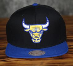 sale retailer ef47b 1aebe Chicago Bulls Mitchell   Ness Royal Visor Laney Snapback Hat