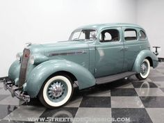 1936 Studebaker Dictator Sedan