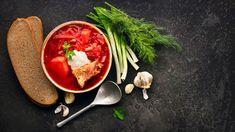Červená repa patrí k najzdravším druhom zeleniny, ktorú máme k dispozícii takmer stále vďaka dobrým možnostiam jej skladovania. Thai Red Curry, Ramen, Japanese, Ethnic Recipes, Desserts, Food, Diet, Russian Foods, Russian Recipes