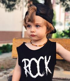 Funny Baby Pictures With Parents Funny Baby Pictures, Cute Baby Videos, Cute Baby Pictures, Face Pictures, Cute Baby Boy, Cute Little Baby, Beautiful Children, Beautiful Babies, Cute Babies Photography