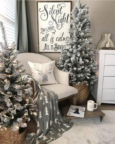 Are you searching for images for farmhouse christmas decor? Browse around this website for amazing farmhouse christmas decor inspiration. This kind of farmhouse christmas decor ideas looks totally amazing. Noel Christmas, Christmas Signs, Vintage Christmas, Cheap Christmas, Christmas Cards, Christmas Movies, Christmas Tree For Bedroom, Christmas Tree Box Stand, French Christmas
