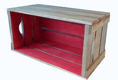 Os caixotes estão em alta na decoração e pensando nisso a Caixaria criou vários móveis inspirados nos tradicionais caixotes! <br>Este lindo caixote duas cores, fabricado para decorar e trazer mais comodidade ao seu lar, rústico e com ar moderno combina em qualquer ambiente. Ótimo para guardar o que precisar, cada caixote é um modulo que você monta móvel como quiser, simplesmente encaixando as peças. <br> <br>Escolha a cor de dentro e de fora entre as várias opções de cores: azul, amarelo…