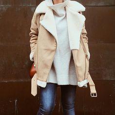 Blouson Zara style aviateur / peau lainée  Regardez cette photo Instagram de @thelondonerinsydney • 121 J'aime
