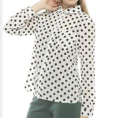 J-Crew Jacquard Dot Popover :) Cotton, long sleeve, this shirt will go with anything! J. Crew Tops Button Down Shirts